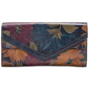 NEW! Patricia Nash Lipari Leather Clutch